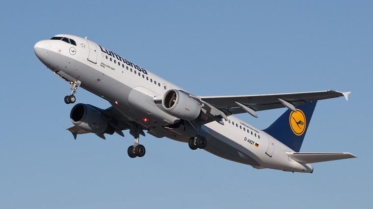 Magyar orvosnő mentette meg egy utas életét a Lufthansa járatán