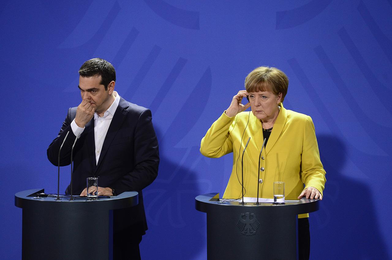 Merkelék átadtak a görög kormánynak egy listát 10 ezer görög adóelkerülőről