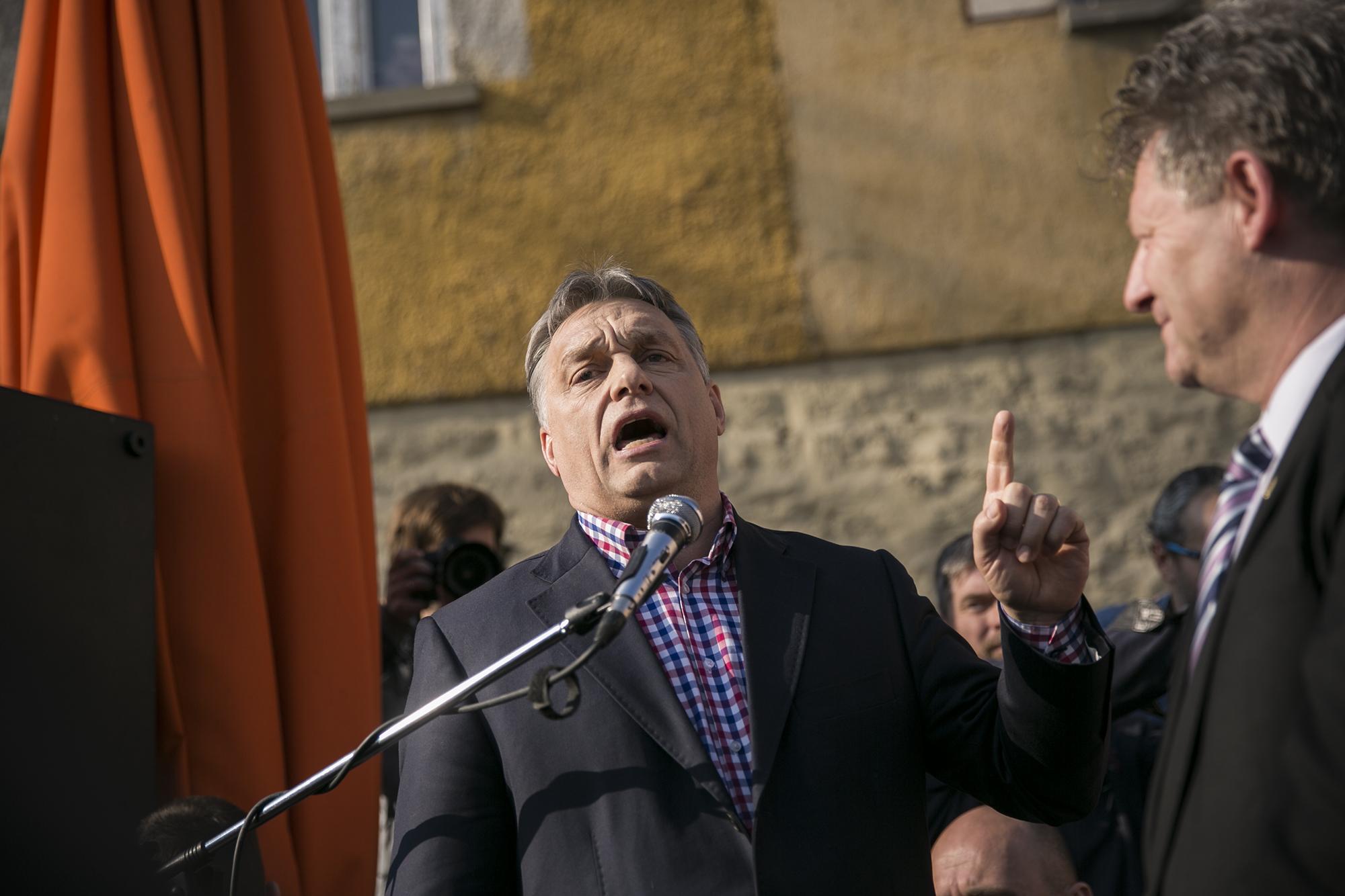 Orbán bevándorlózó levélben hívja a lakosokat szavazni