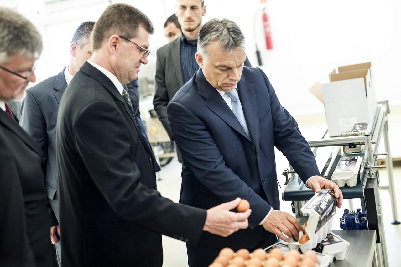 Nem tetszik a minisztereknek Orbán központosítási terve