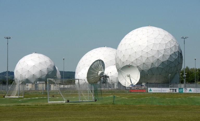 A Yahoo megfigyelte a levelezéseket az NSA-nek és az FBI-nak