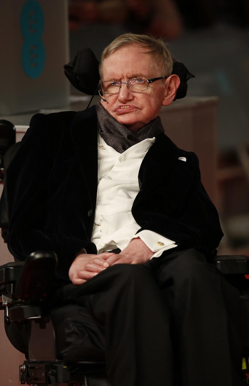 Stephen Hawking szerint ezer éven belül kihal az emberiség