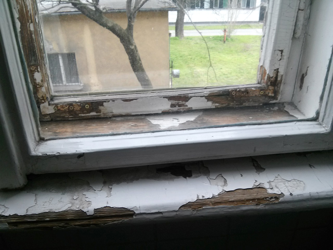Kiugrott egy beteg a Merényi kórház zárt osztályának ablakán