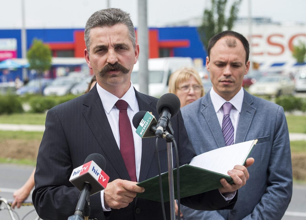 A Felcsút környékéért felelős miniszteri biztos testvére 147 millió forint EU-s pénzt nyert egy lélekemelő táborra