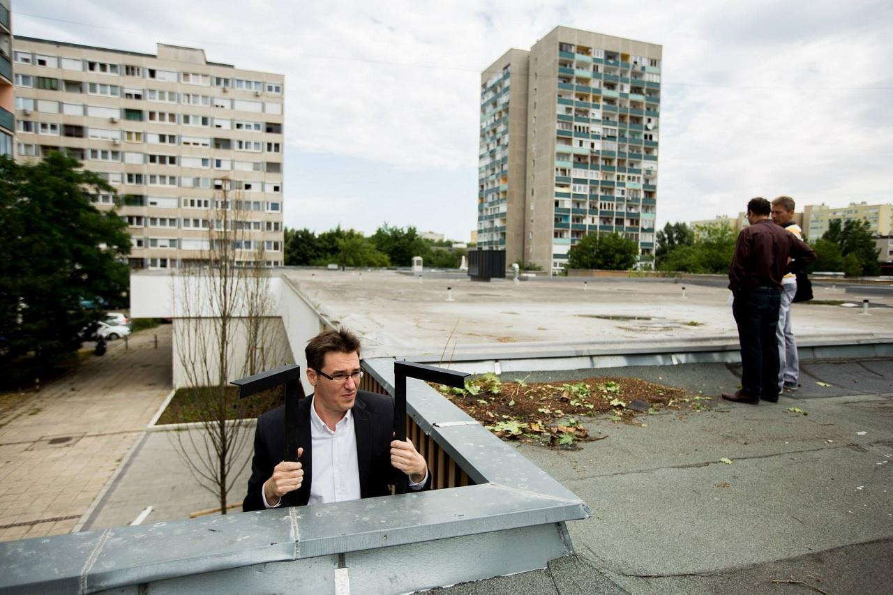 A zuglói Fidesz szerint pénzszivattyúként működik a parkolási rendszer, amit ők is megszavaztak