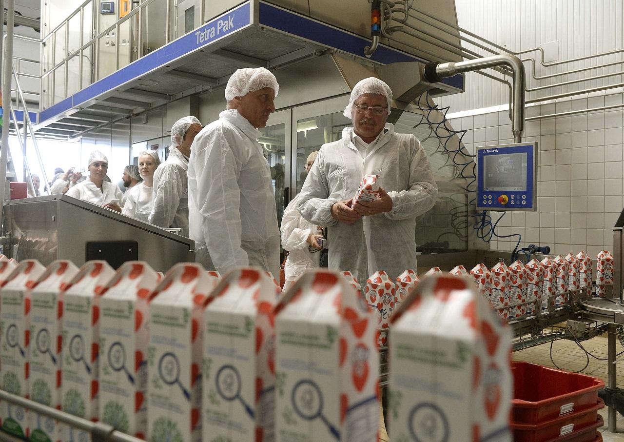 Egy teljes nyomozócsoport üldözi a mérgezett tejes zsarolót
