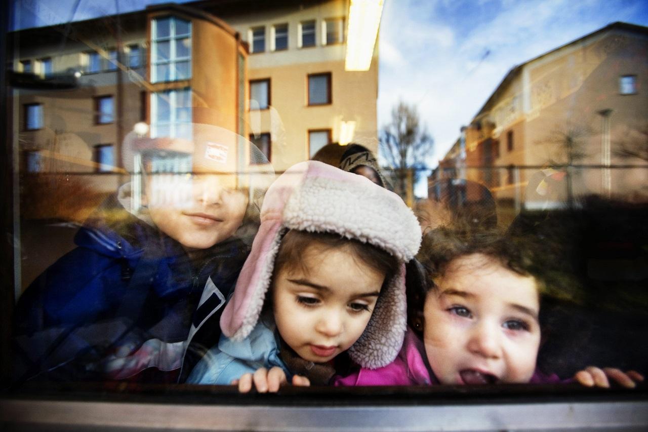 Barcelona polgármestere azt kéri, engedjék szabadjára a gyerekeket