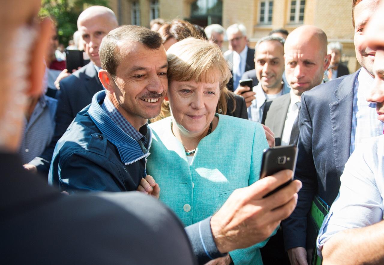 Nem lesz adóemelés Németországban a menekültek érkezése miatt