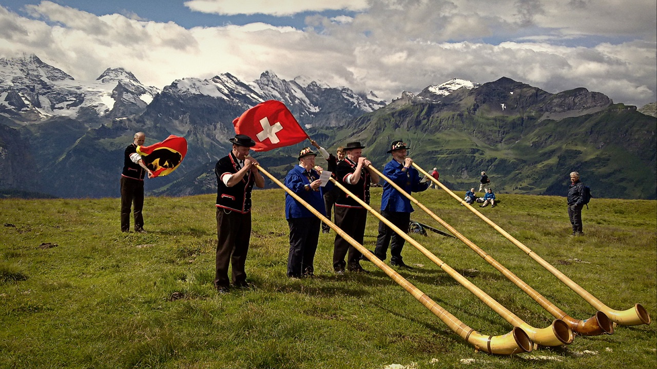 Svájcban ma a nép gyökeresen felforgathatja a bankrendszert