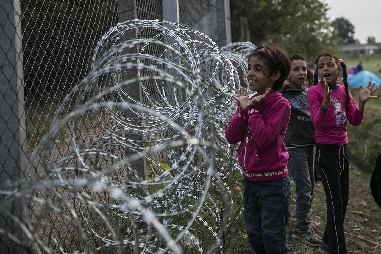 Egy évvel a bezárás híre után sem tudni, hogy mi lesz a Fóton élő menekült gyerekek sorsa