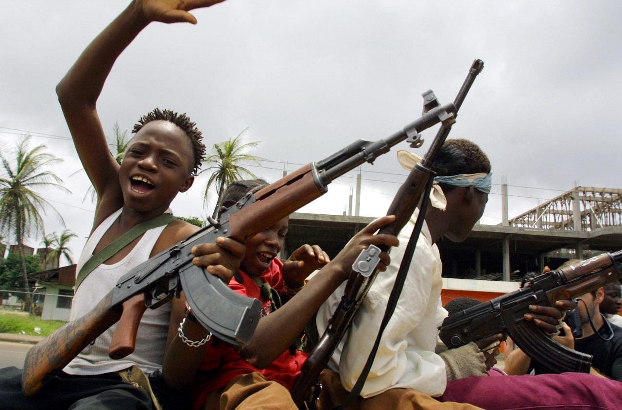 Többek közt kannibalizmusért ítéltek el egy libériai lázadót Svájcban