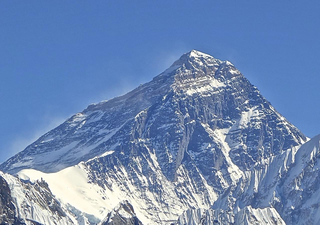 Választóvonalat húznak a Mount Everesten, hogy a hegymászók ne adhassák át egymásnak a koronavírust