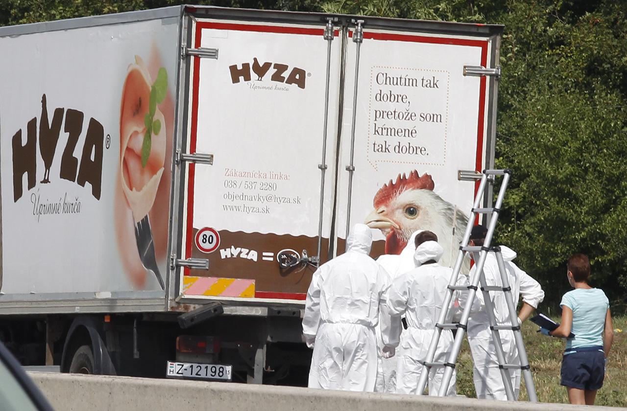 A magyar rendőrség még el sem kezdett nyomozni a kamionban megfulladt menekültek ügyében
