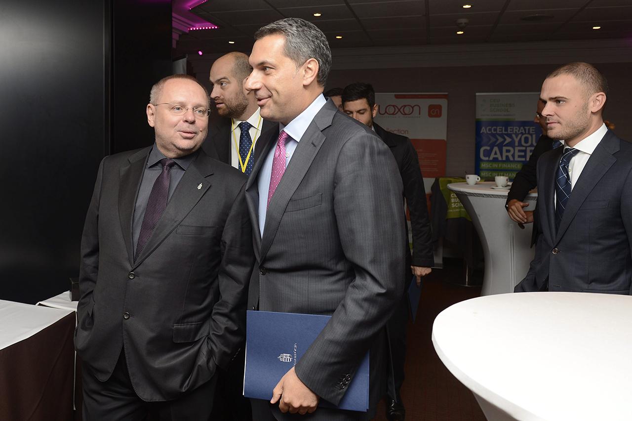 Spéder fideszes politikusokkal folytatott beszélgetéseinek hangfelvételét is lefoglalta a rendőrség