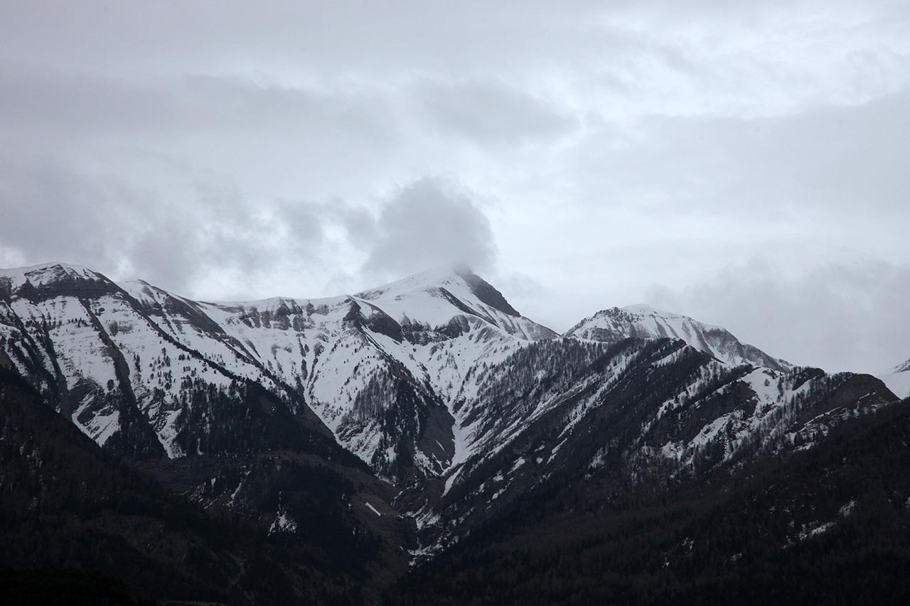 Le Monde: 15 orosz kém támaszpontként használta a francia Alpokat