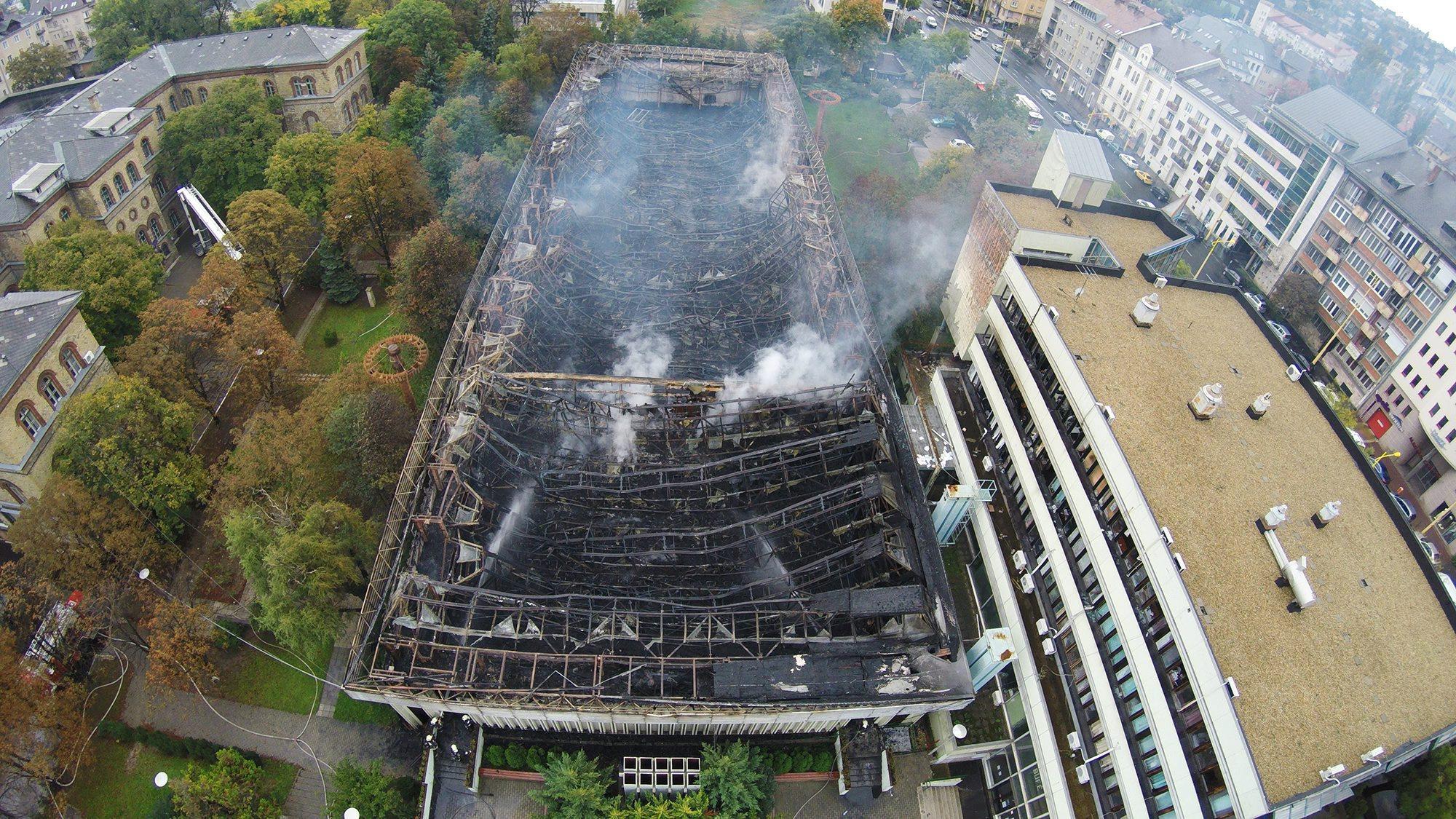 A TF szerint magától gyulladt ki a leégett budai sportcsarnokuk
