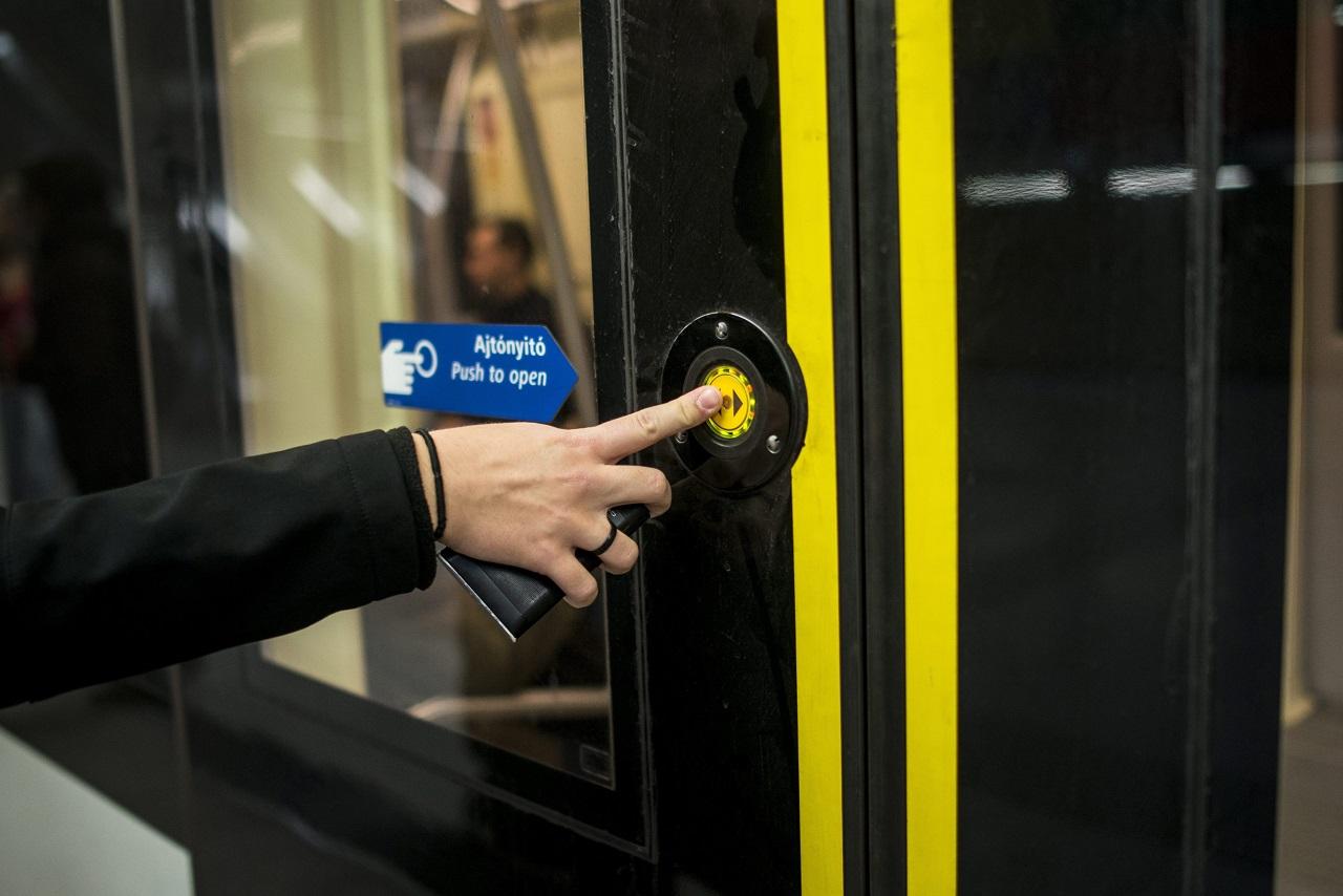 Ezentúl külön küzdelem lesz minden egyes leszállás a metrón