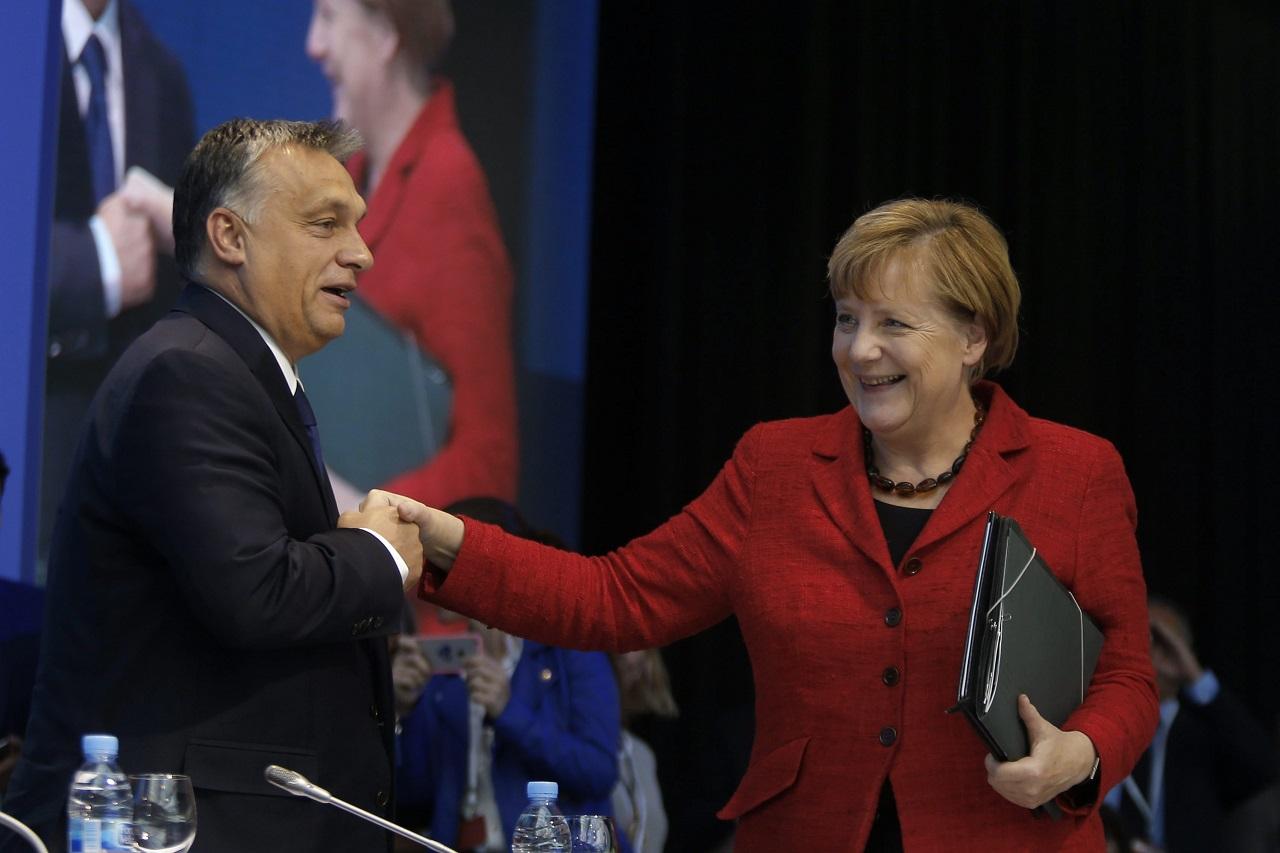 Merkel szerint hasznos és értékes volt Orbán Viktor és Helmut Kohl találkozója
