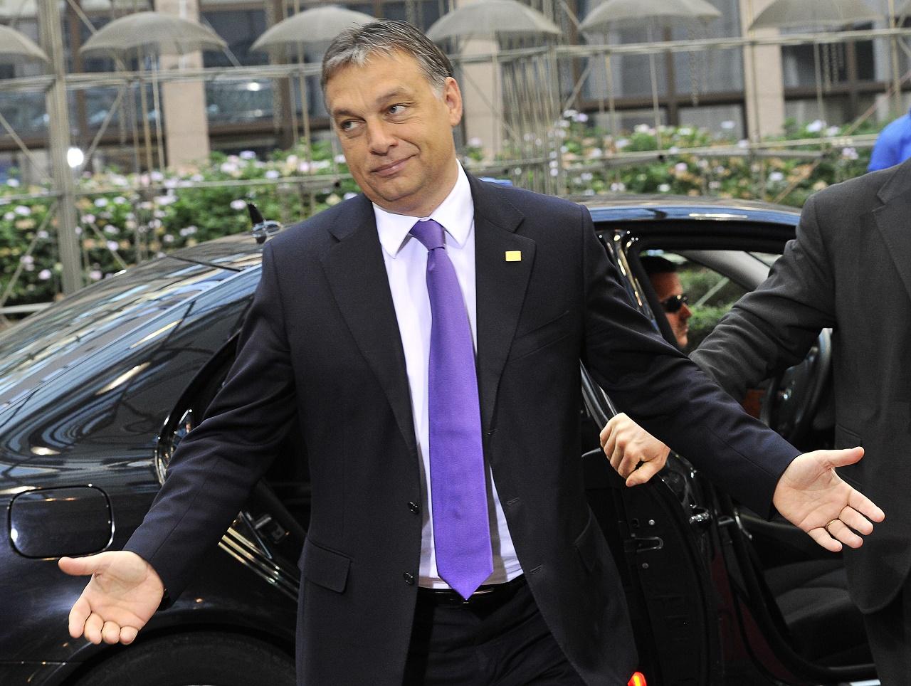 Orbán először áldozott be államtitkárt egy széleskörű lázadás miatt