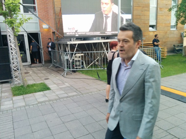 A bíróság végrehajtást indított Habony ellen, mert nem fizette ki a Jobbiknak a 76 200 forintos perköltséget