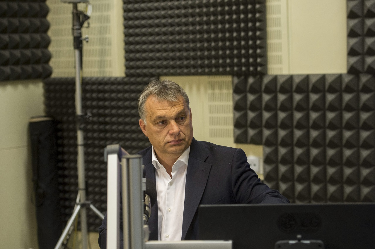 Soros aktivistái az embercsempész-hálózat részesei - Orbán irányt mutatott