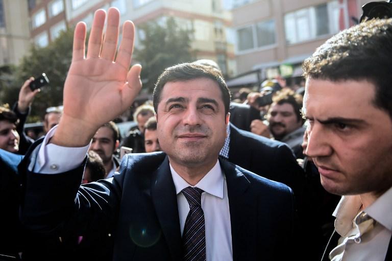 Erdogan megsértéséért 3,5 év börtönre ítélték a törökországi kurdbarát párt volt társelnökét