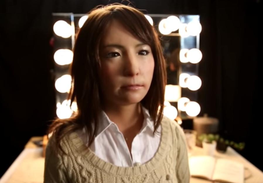 Japánban hamarosan debütál a világ első robotszínésznője