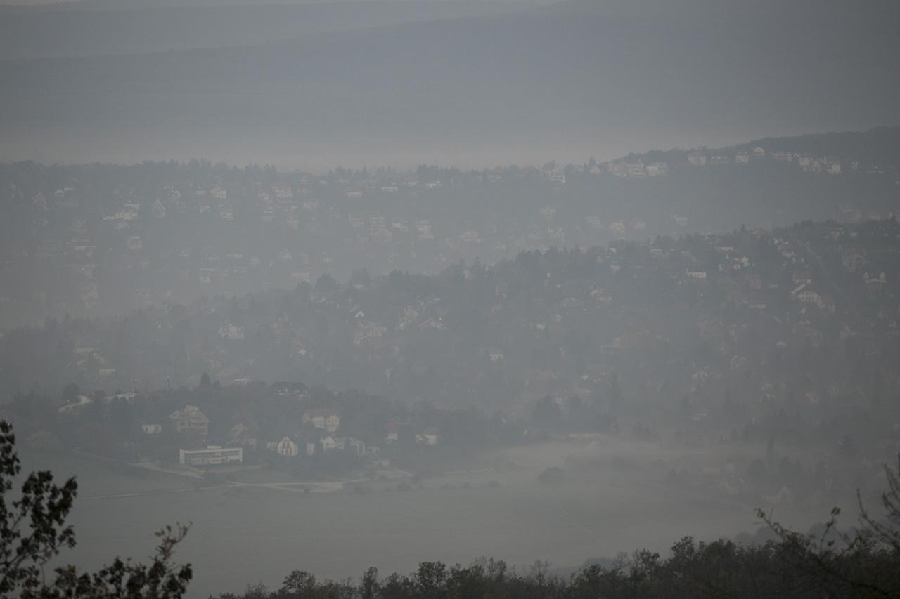 Nyíregyházán veszélyes, Budapesten, Dunaújvárosban, Kecskeméten, Miskolcon és Putnokon egészségtelen a levegő