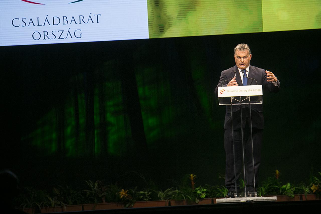 Orbán: Minden terrorista alapvetően migráns