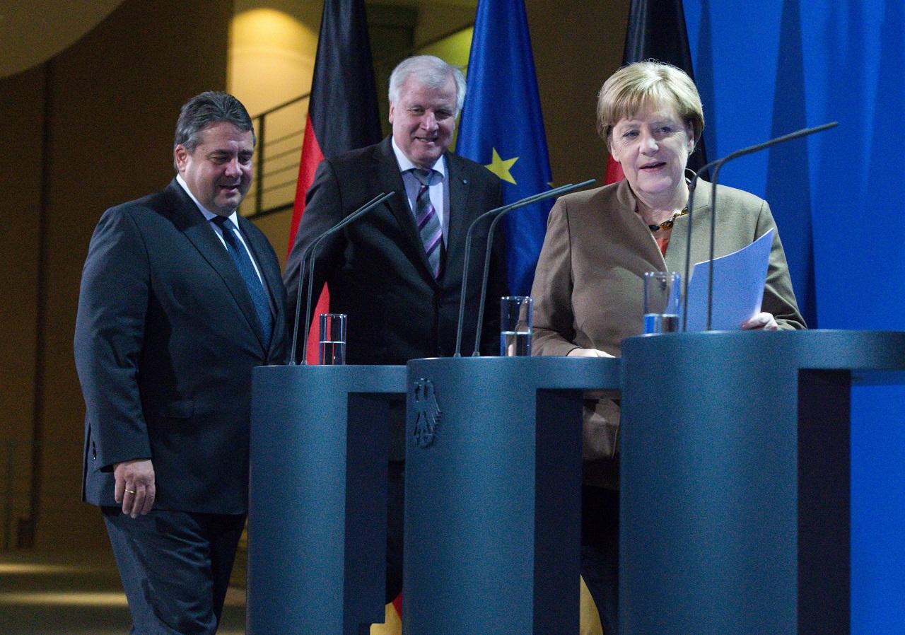 Saját minisztere kritizálja Angela Merkel menekültpolitikáját