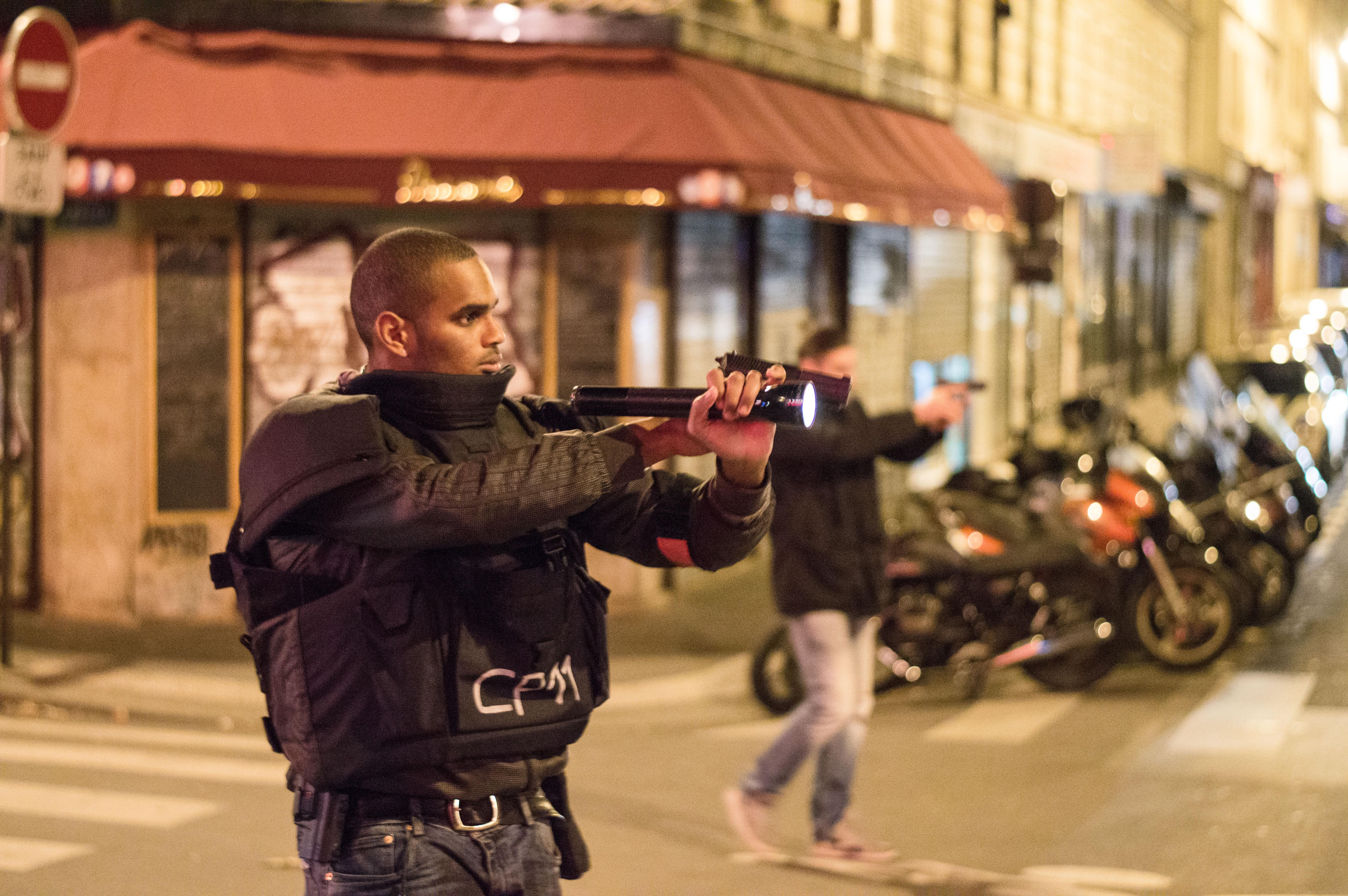 Németországban elfogták a párizsi merénylők fegyverszállítóját