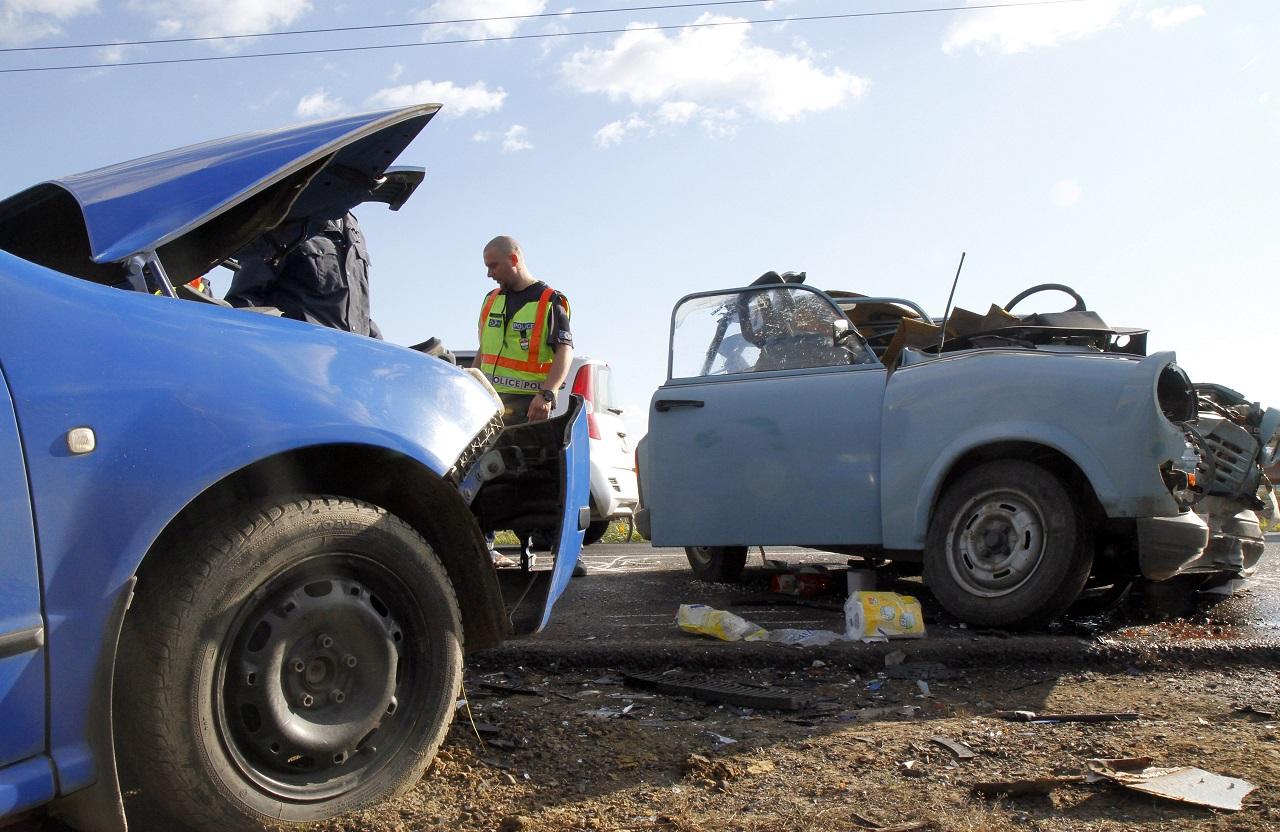 Közúti balesetben hal meg a legtöbb tinédzser