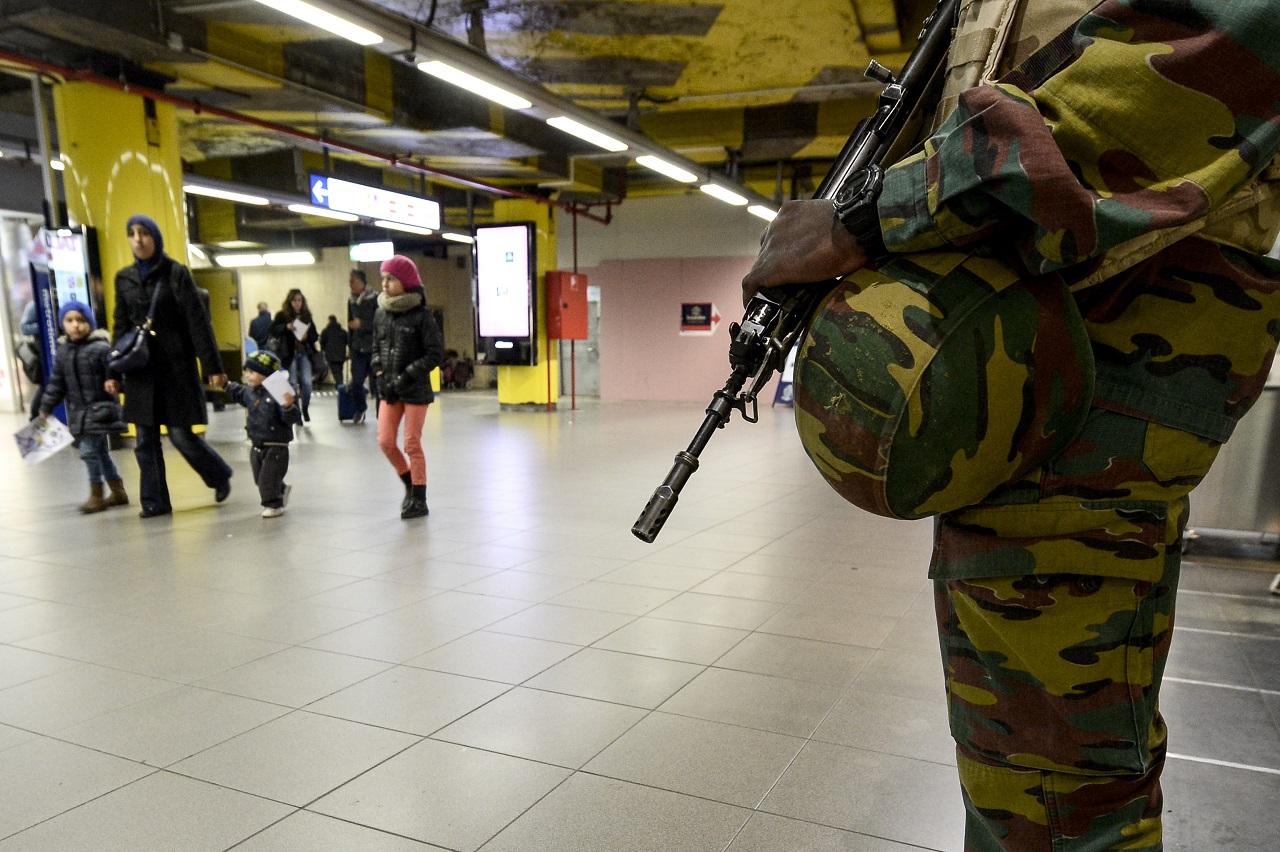 Letartóztattak egy férfit, aki aktívan közreműködhetett a párizsi merényletekben