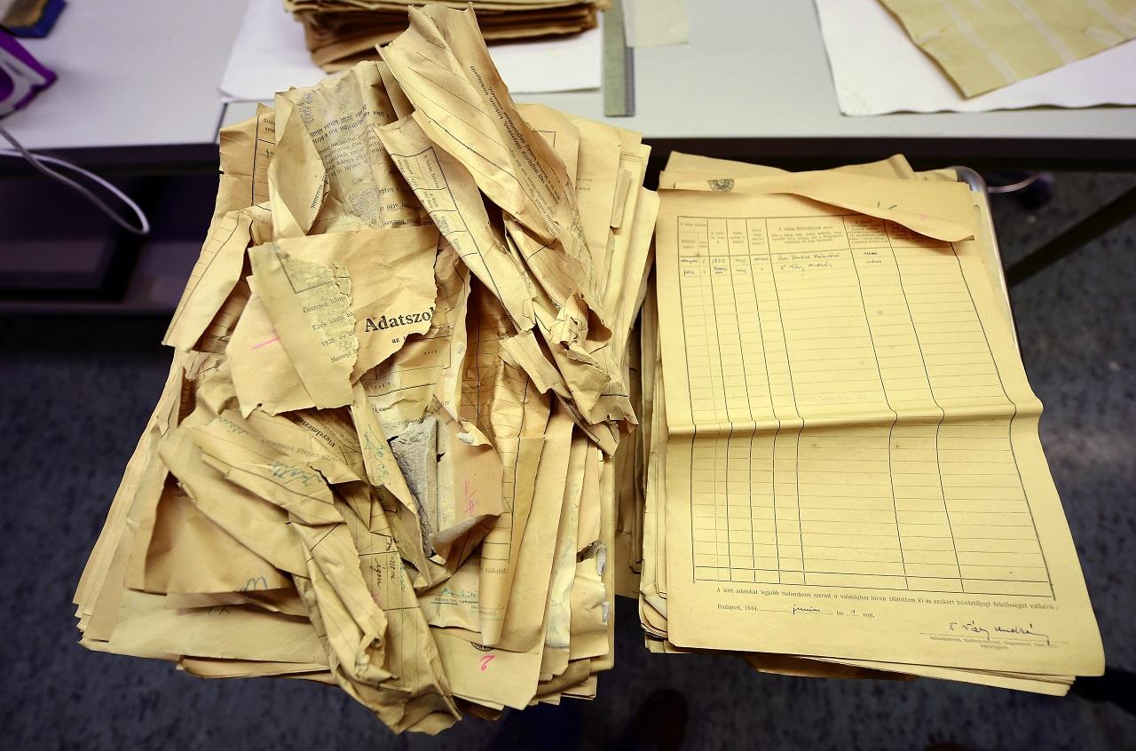 6300, elveszettnek hitt náci dokumentumot találtak egy budapesti lakás felújítása közben