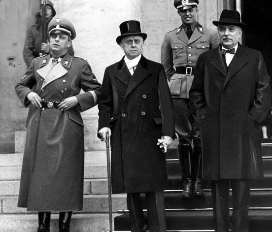 Tényleg fasiszta exminiszterelnökök sírhelyeinek felújítására készül a kormány?