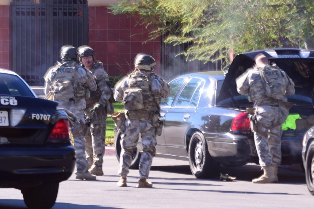 Legalább 14 halott és 14 súlyos sebesült a kaliforniai lövöldözésben