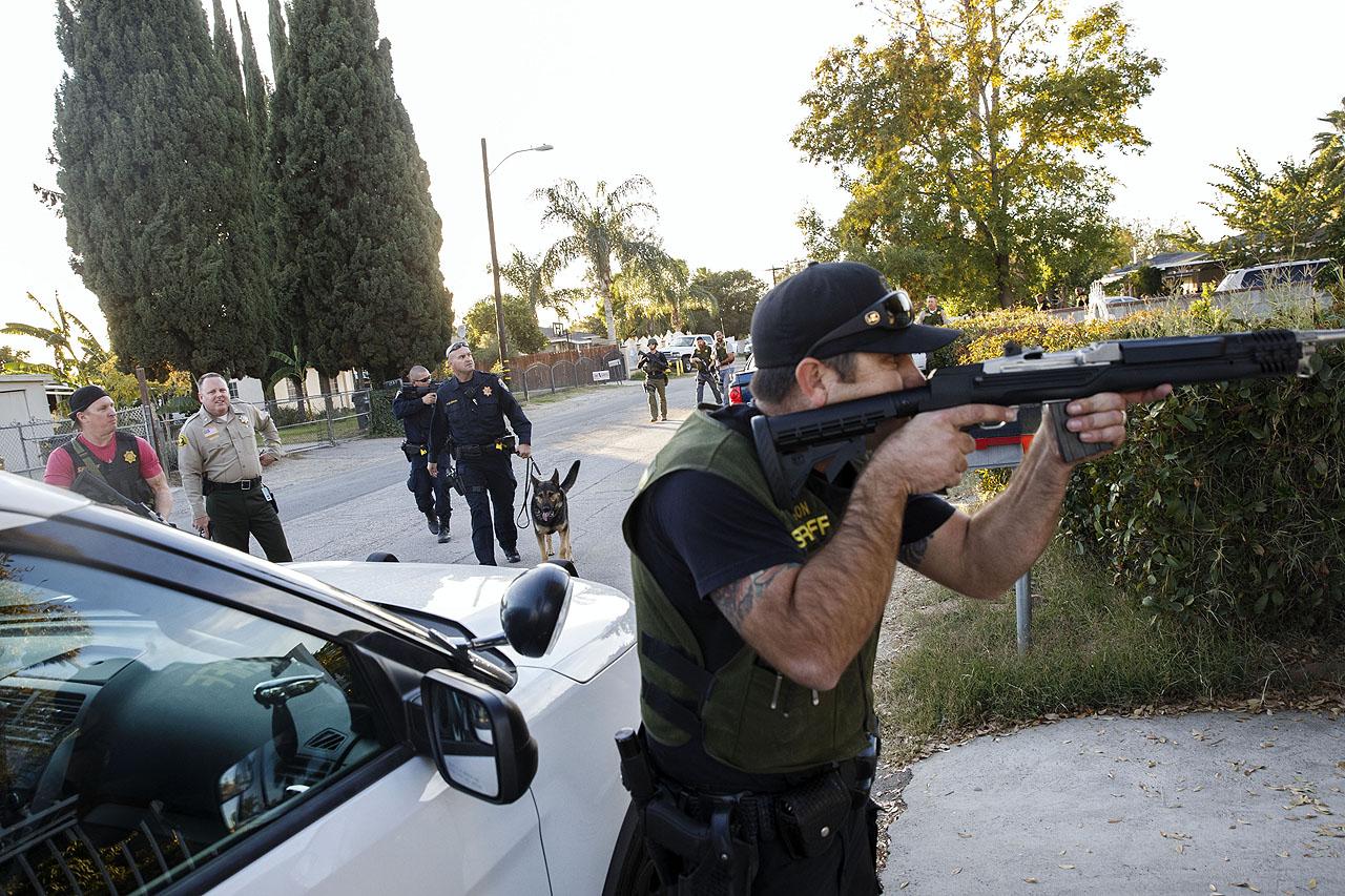A rendőrség két gyanúsítottat lelőtt, egyet elfogott a San Bernardino-i lövöldözés után