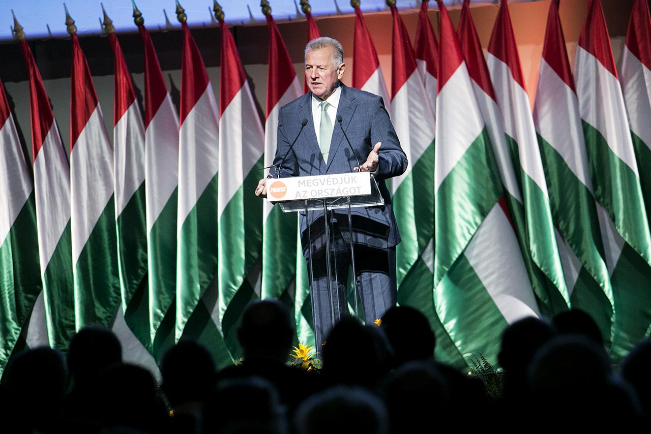 Schmitt Pál: A budapesti olimpia megrendezését 16 millió magyar szívügyévé kell tenni