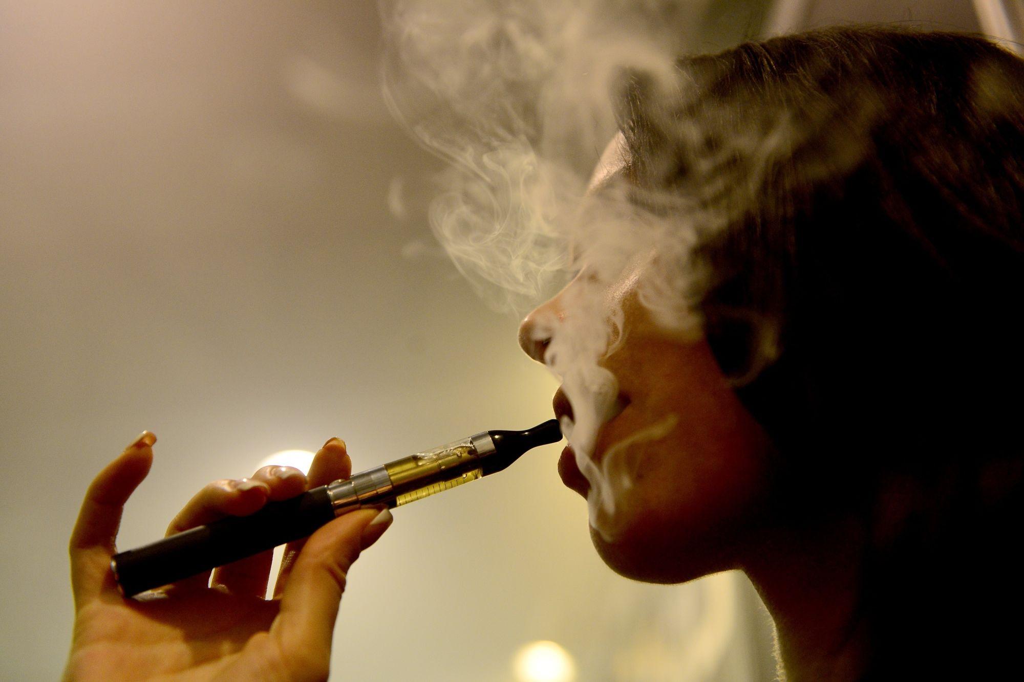 Kinyírja a kormány az e-cigit