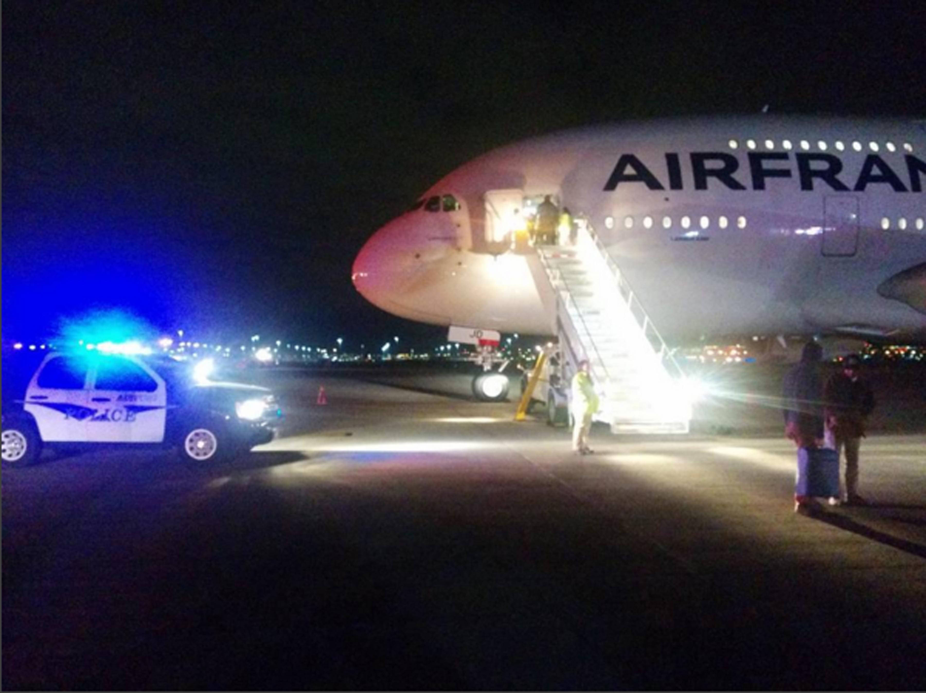Bombariadó volt az Air France mauritiusi járatán