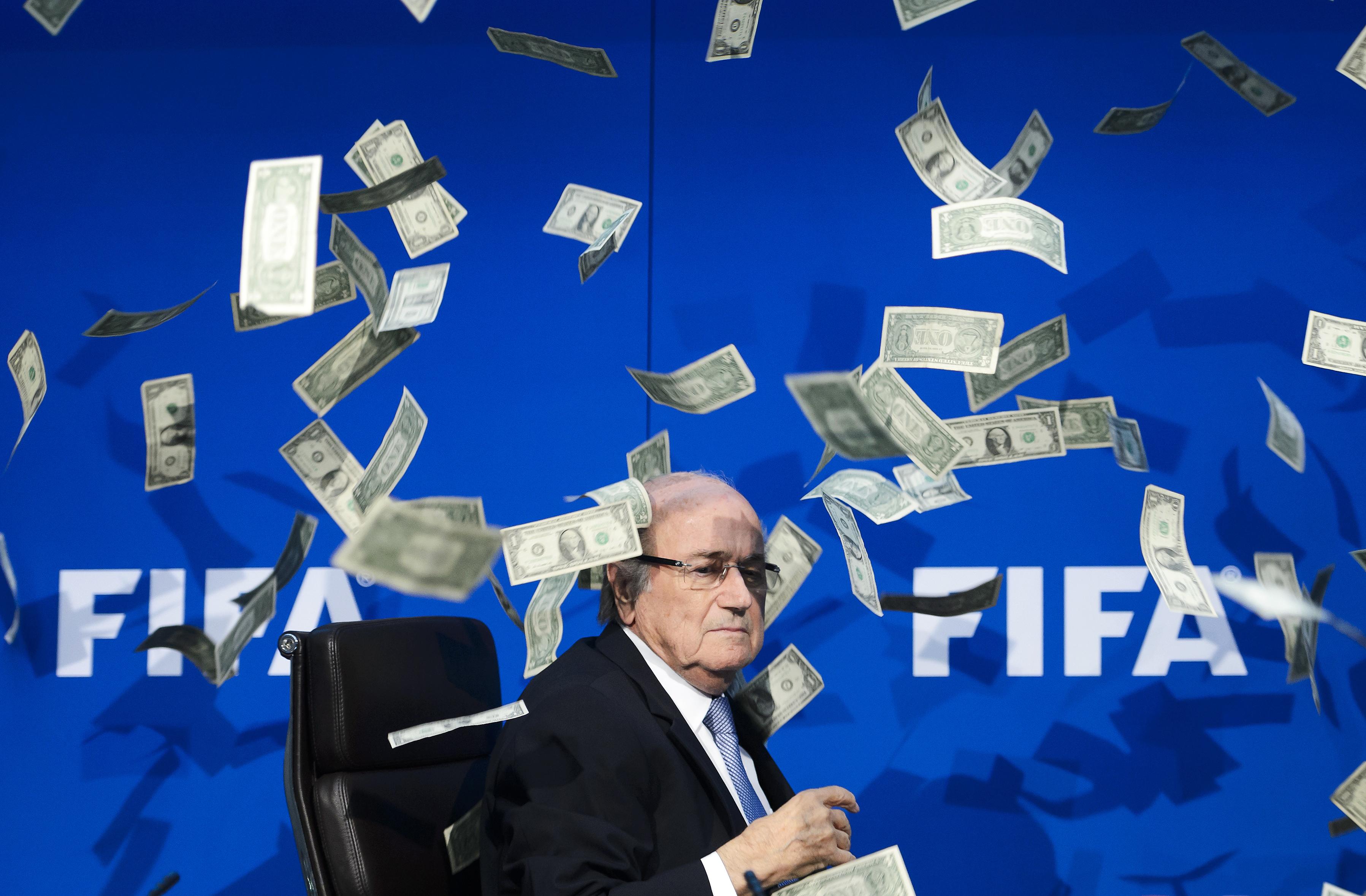 A FIFA még 7 évre eltiltotta Sepp Blattert és Jerome Valckét