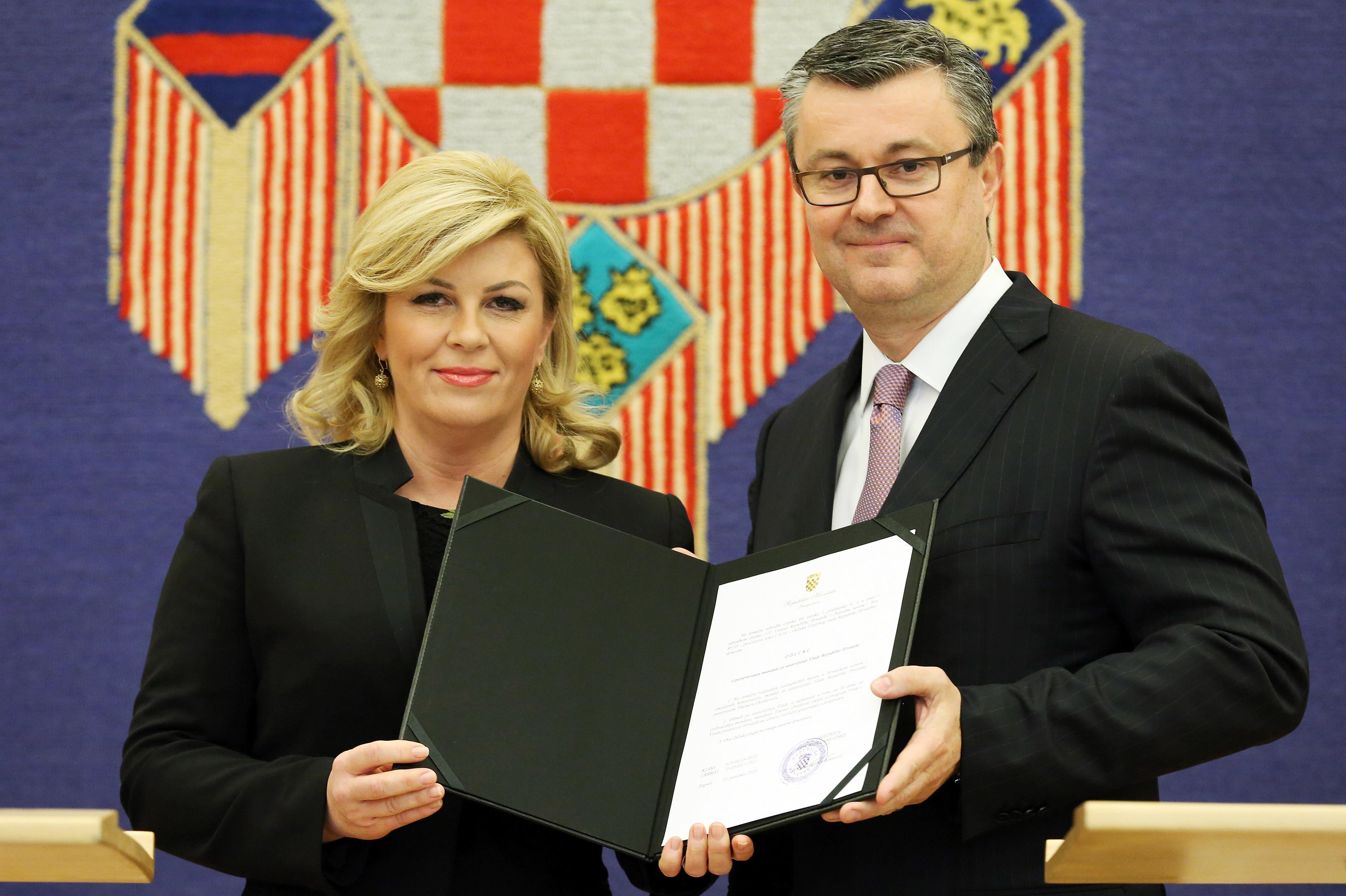 Lezártultak a koalíciós tárgyalások Horvátországban: A HDZ és a Híd alakít kormányt