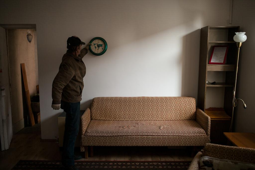 Csak egy régi óra maradt az évtizedes hajléktalanságból