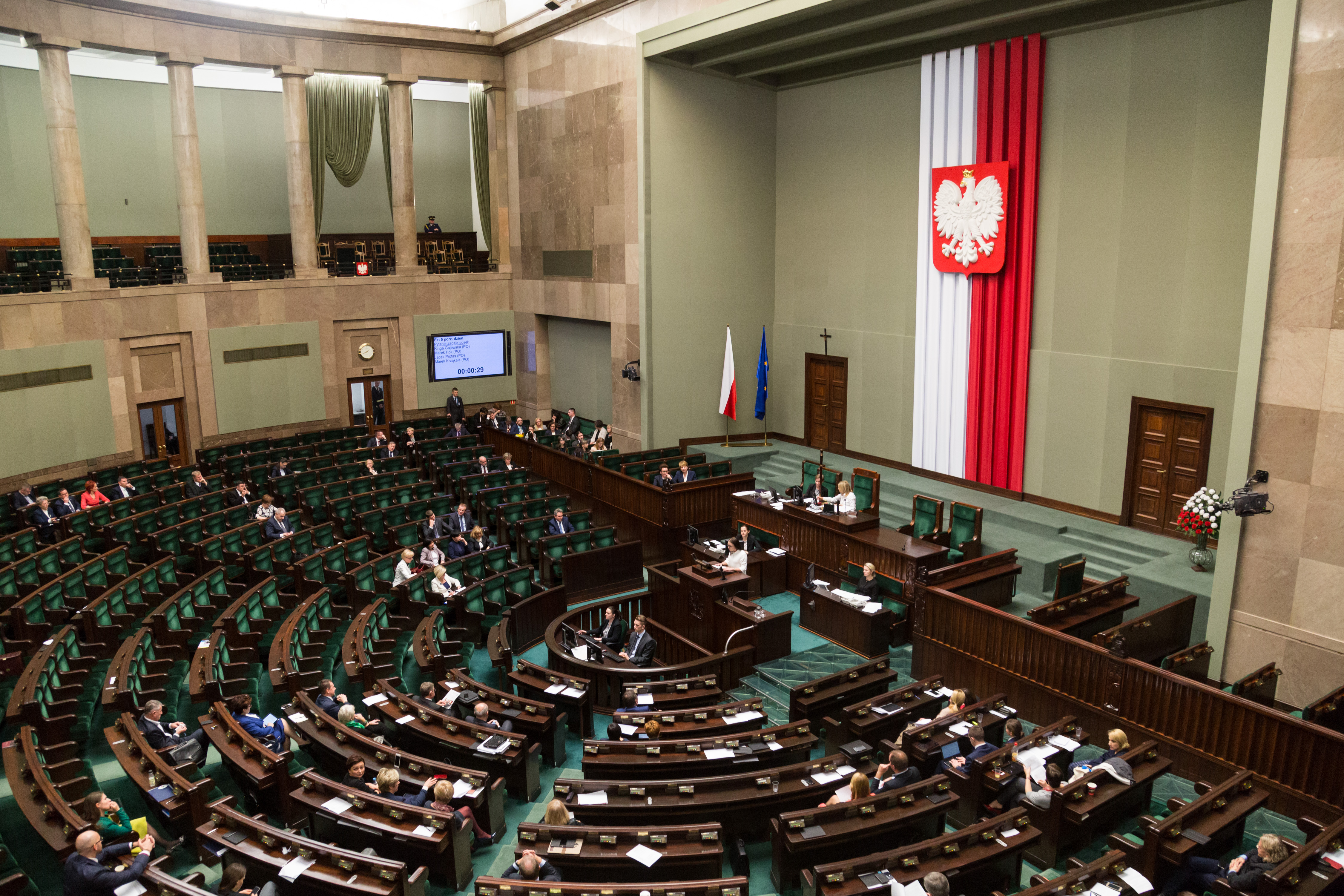 A 26 évnél fiatalabb lengyeleknek többé nem kell SZJA-t fizetniük