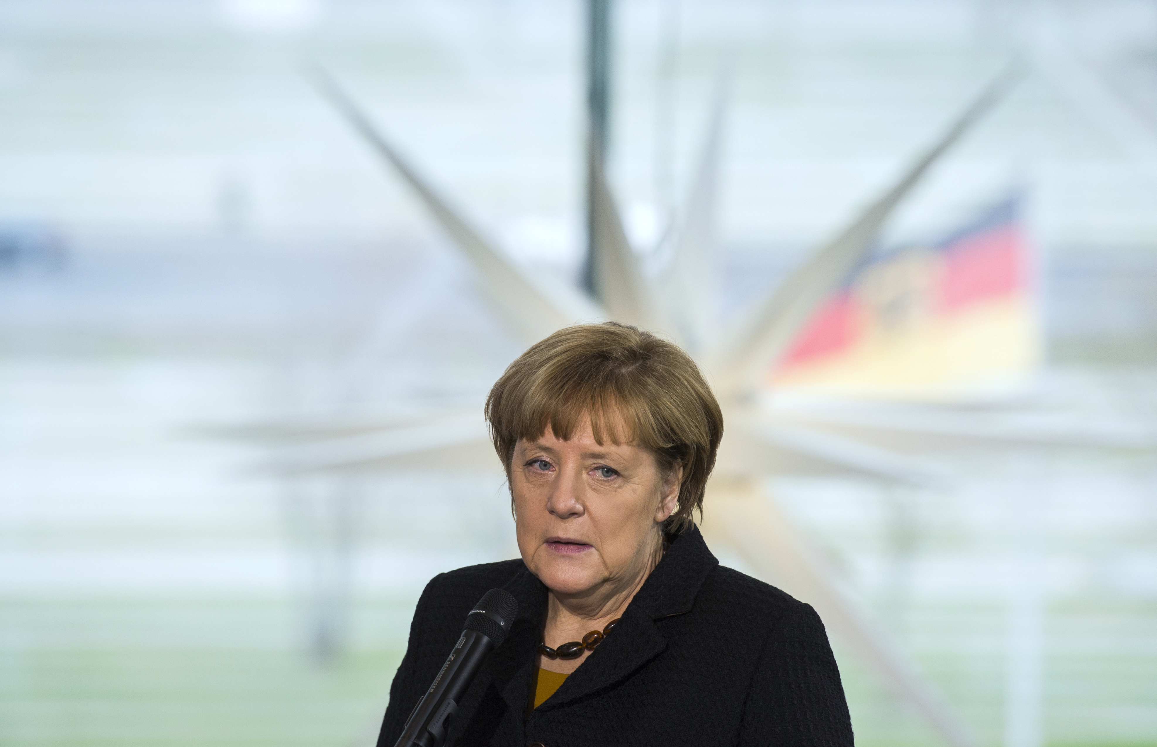 Financial Times: Németország elengedi a kötelező migránskvótát
