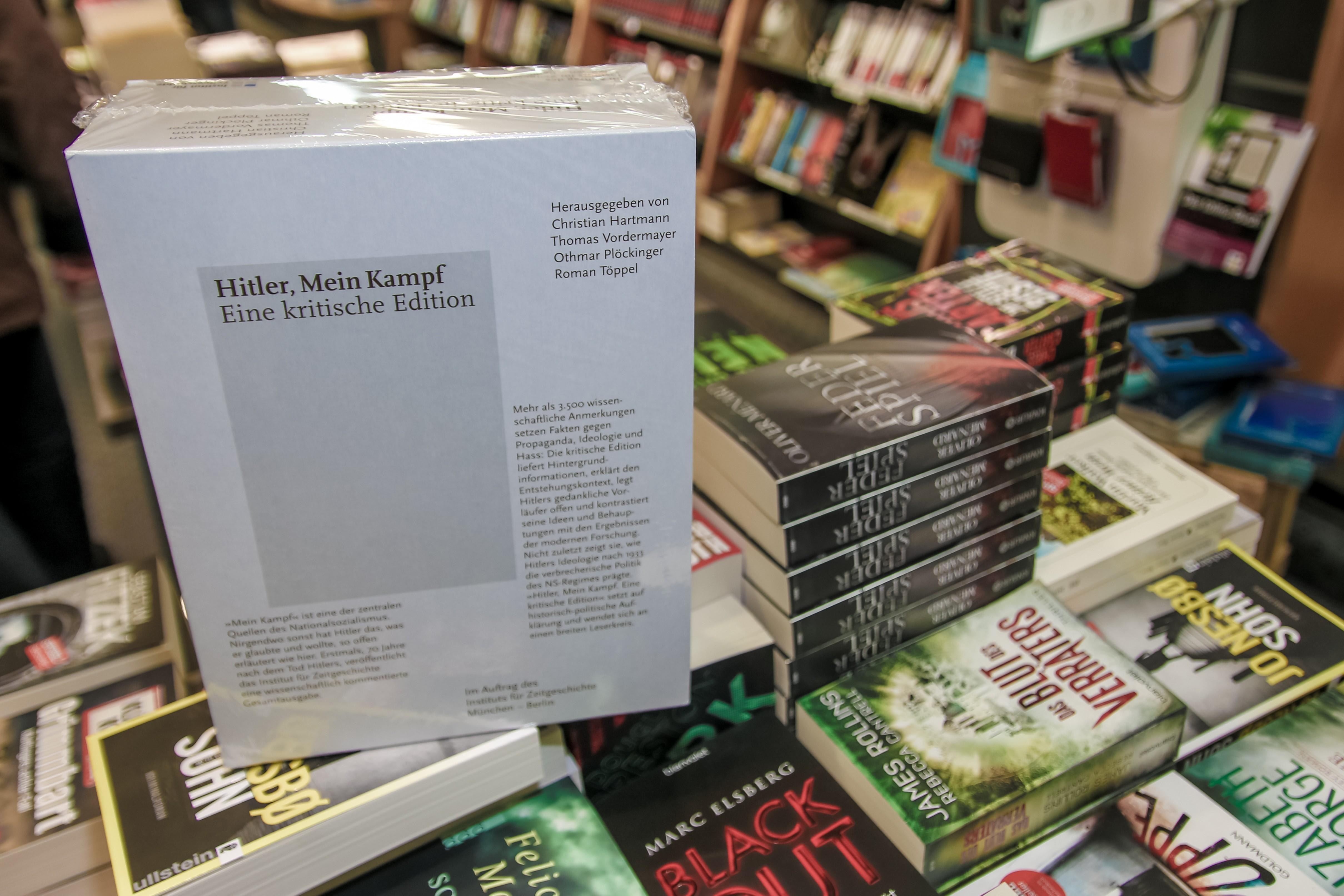 Egy jobboldali olasz napilap szombati száma mellé ajándékba járt a Mein Kampf