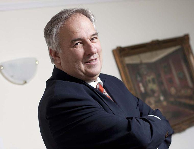 A VS volt főszerkesztője szerint Szemerey Tamás tulajdonosként tárgyalt vele a lap szerkesztőségében