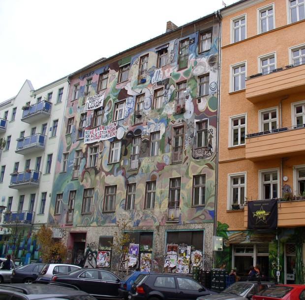 Ötszáz rendőr rohamozta meg Berlin legismertebb foglaltházát