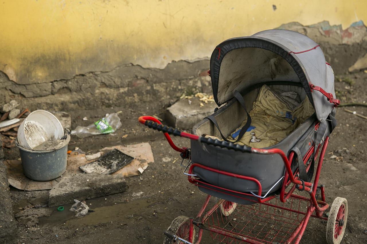 Kétszer annyi gyermeket adnak örökbe külföldre, mint öt évvel korábban