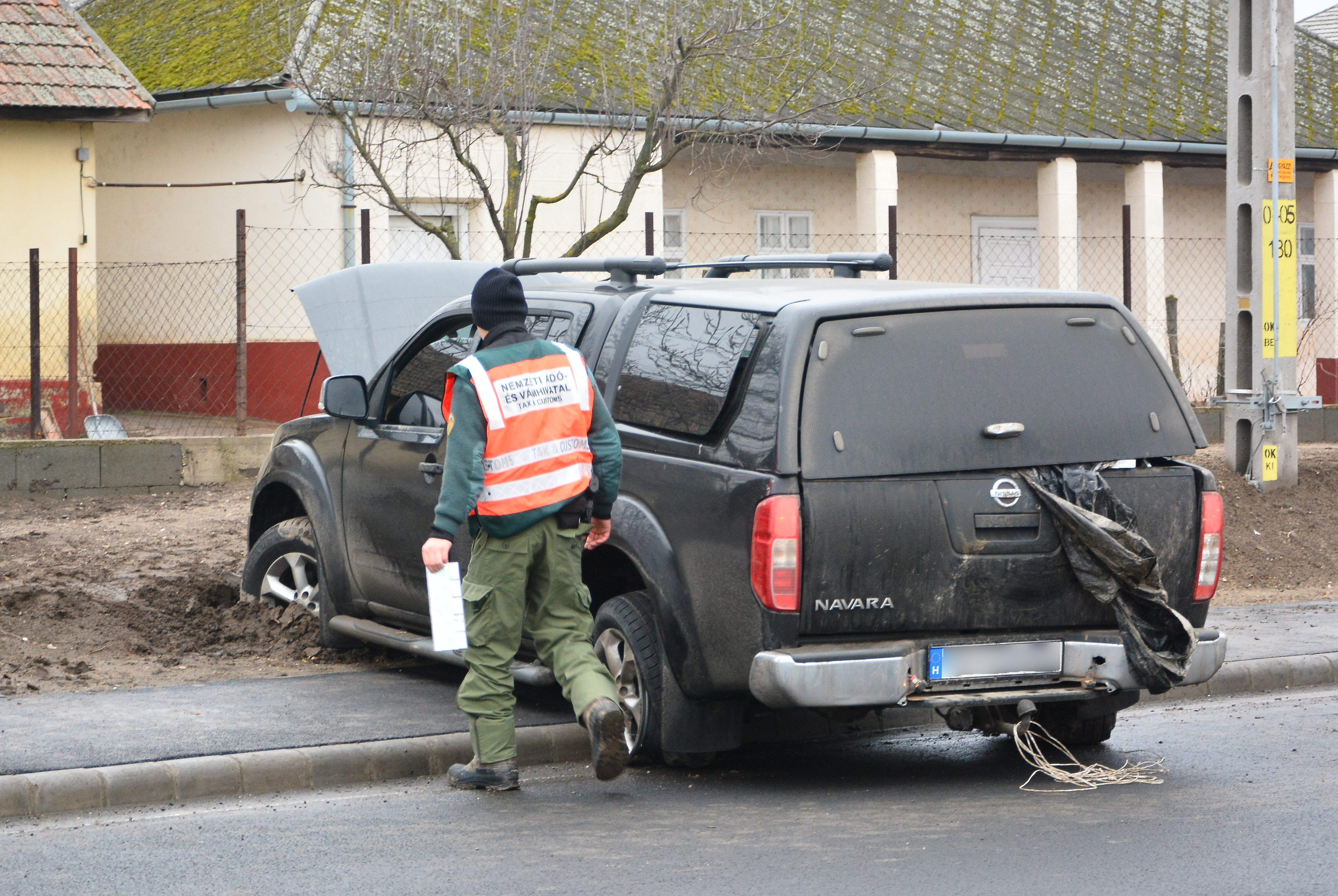 A lakosság terepjáróinak rekvirálgatására készül a magyar hadsereg